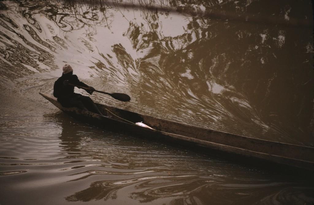 Man i kanot, Gambia